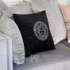 Poduszka dekoracyjna velvet czarna z logo Medusa
