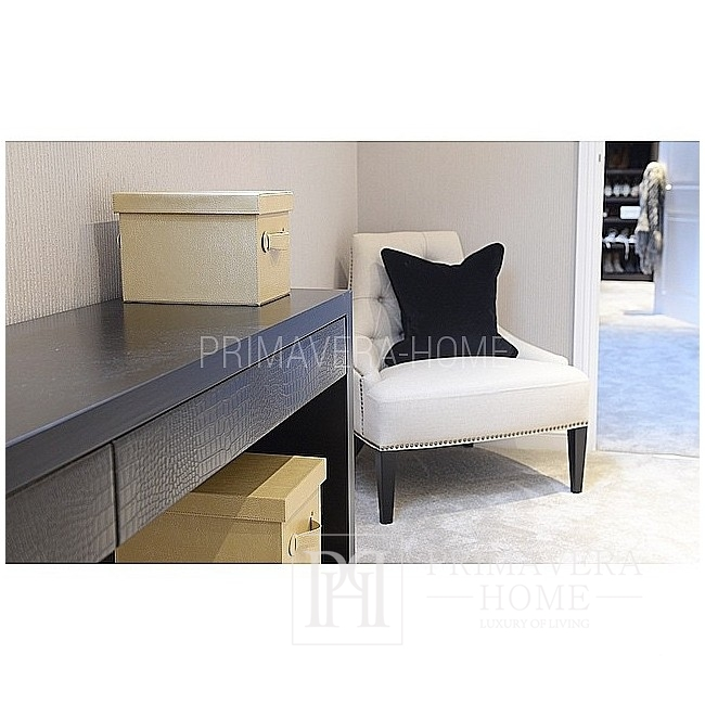 Gepolsterter, gesteppter Sessel im modernen amerikanischen New Yorker Stil MANHATTAN