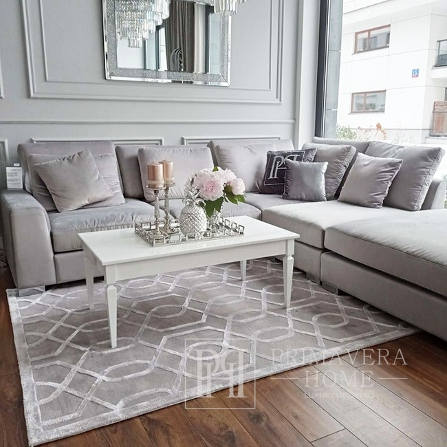 Wooden glamor coffee table for the ELEGANCE dining room